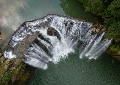 Nádherný vodopád Shifen na severu ostrova Taiwan