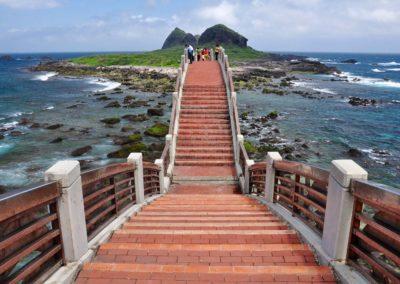 Most na ostrov Sanxiantai na Taiwanu