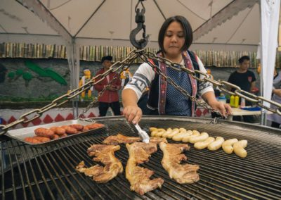 Grilované maso původních obyvatel Taiwanu