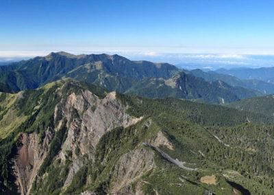Nádherné výhledy z vrcholu hory Xueshan
