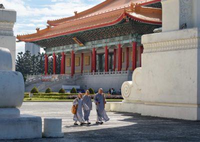 Buddhističtí mniši v centru Taipei