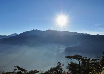 Východ slunce nad nejvyšší horou Taiwanu v NP Yushan
