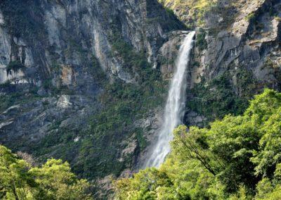 Majestátní vodopád v národním parku Taroko
