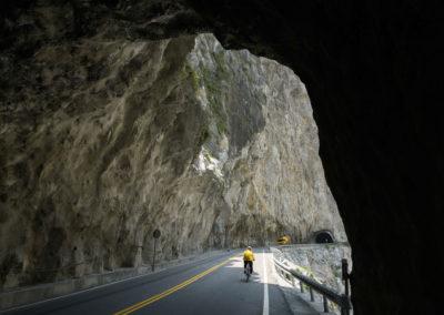 Silnice ve skalách v národním parku Taroko