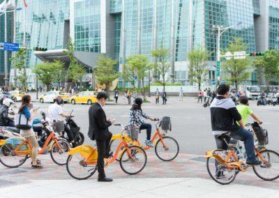 Cyklisté v centru hlavního města Taipei