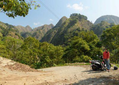 Výlet na skútrech v okrese Nantou na Taiwanu
