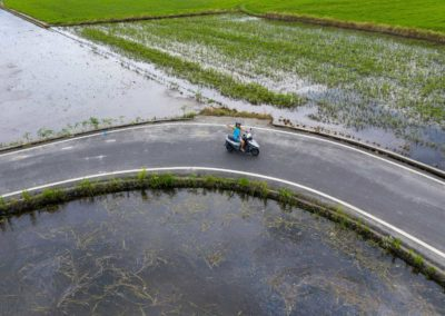 Výlet na skútrech po rýžových polích na Taiwanu