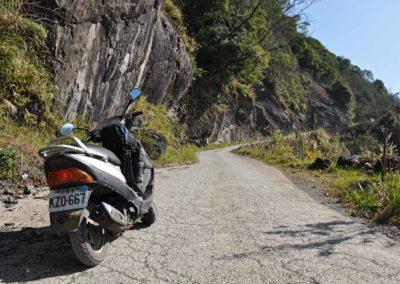 Skútr na horské silnice ostrova Taiwan
