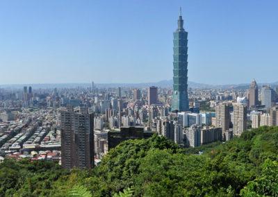 Panorama hlavního města Taiwanu z Sloní hory (Elephant Hill)