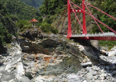 Most Cimu v polovině soutěsky Taroko na Tchaj-wanu