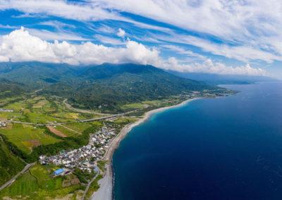 Východní pobřeží Pacifiku na Taiwanu z ptačí perspektivy