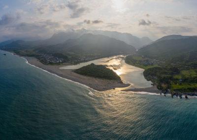 Východní pobřeží Tchaj-wanu z dronu